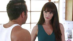 Closeup video of trimmed pussy MILF Bianca Breeze having nice sex