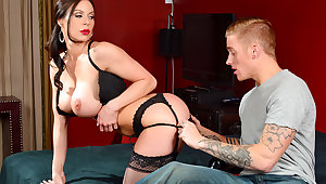 Kendra Hanker after & Richie Black forth My Friends Hot Mom
