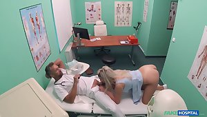 Sienna Day gets the daylights fucked revel in her at her doc's office